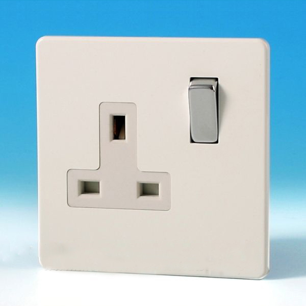 Varilight 1 Gang 13 Amp Switched Electrical Plug Socket